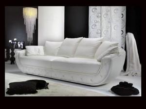 Белоснежный диван