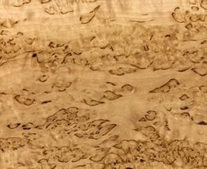 drevesina korelskaea bereza 300x245 Карельская береза