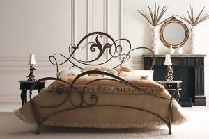kovan krovat 300x200 Кованая мебель
