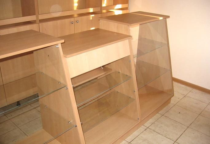 Стекло и зеркало в мебельных конструкциях